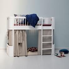 Polovysoká postel se schovávačkou