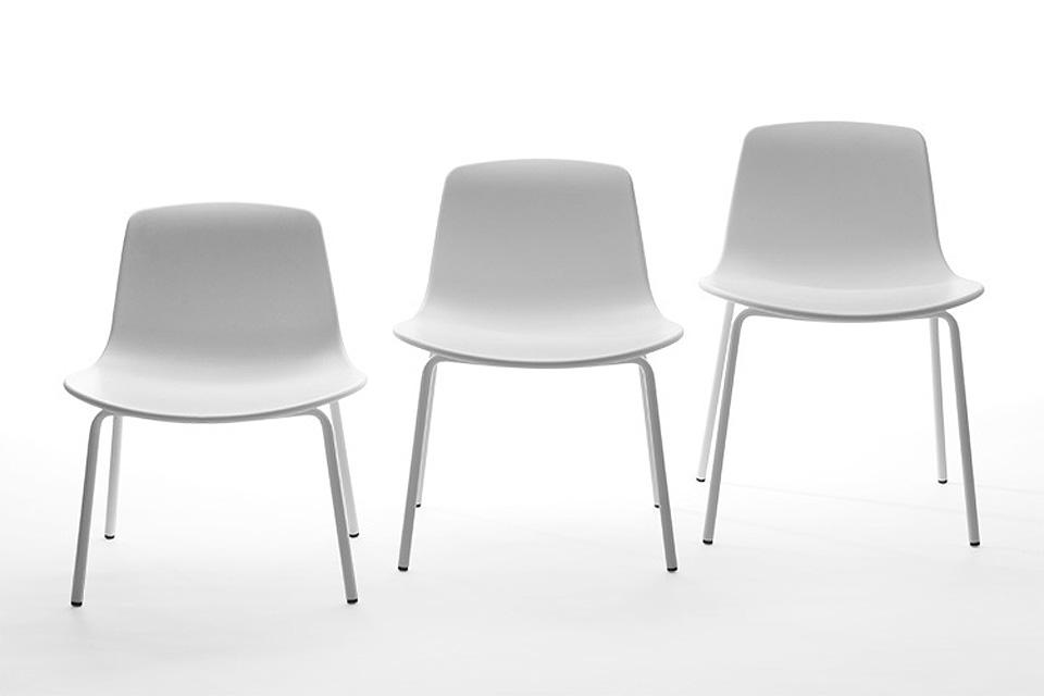 <p>Dětská židle LOTTUS, volitelná barva skořepiny i nohou, volitelný materiál pro sedáku, 3 velikosti</p>