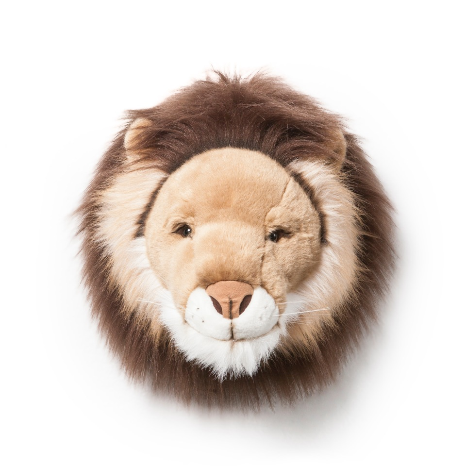 <p><strong>Cesar</strong></p> <p>Jsem Cesar, mnozí mě znají jako krále džungle. Staneme-li se kamarády, ukážu ti i mou přátelskou stranu. Zatímco mě budeš hladit po mé zlatě lesklé hřívě, naučím tě, jak být odvážný, moudrý a okouzlující. Spolu dobudeme svět!</p> <div></div> <div></div>