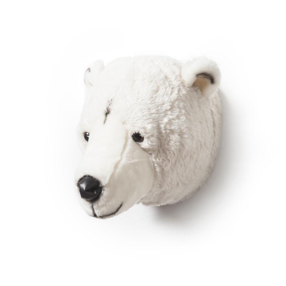 <p><strong>Lední medvěd Basile</strong></p> <p><strong><br /></strong></p> <p>Ahoj, já jsem Basile, lední medvěd. Jsem velký, silný, i když v jádru hlavně dobrák. Tam, odkud pocházím, je veliká zima. Ocením tedy, když mě zahřeješ milým obětím. Rád si povídám před spaním,.... a hoooodně rád spím.</p> <p>Jakékoli tajemství je u mě v bezpečí.</p> <p></p> <p></p> <p></p>