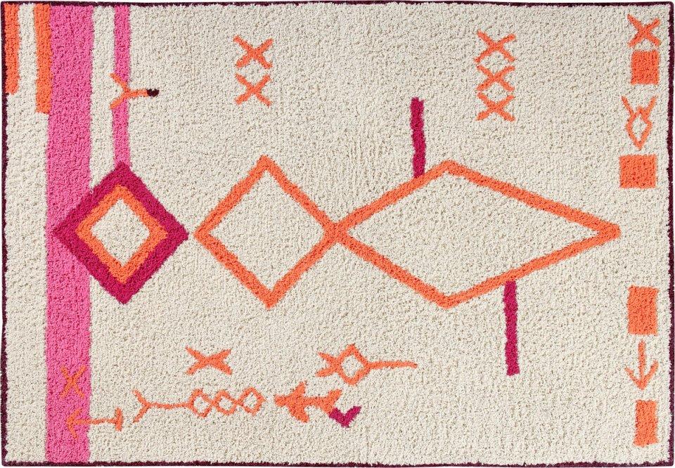 <p>Koberec s marockými vzory 140x200cm, materiál bavlna.</p> <p></p> <p></p> <p></p>